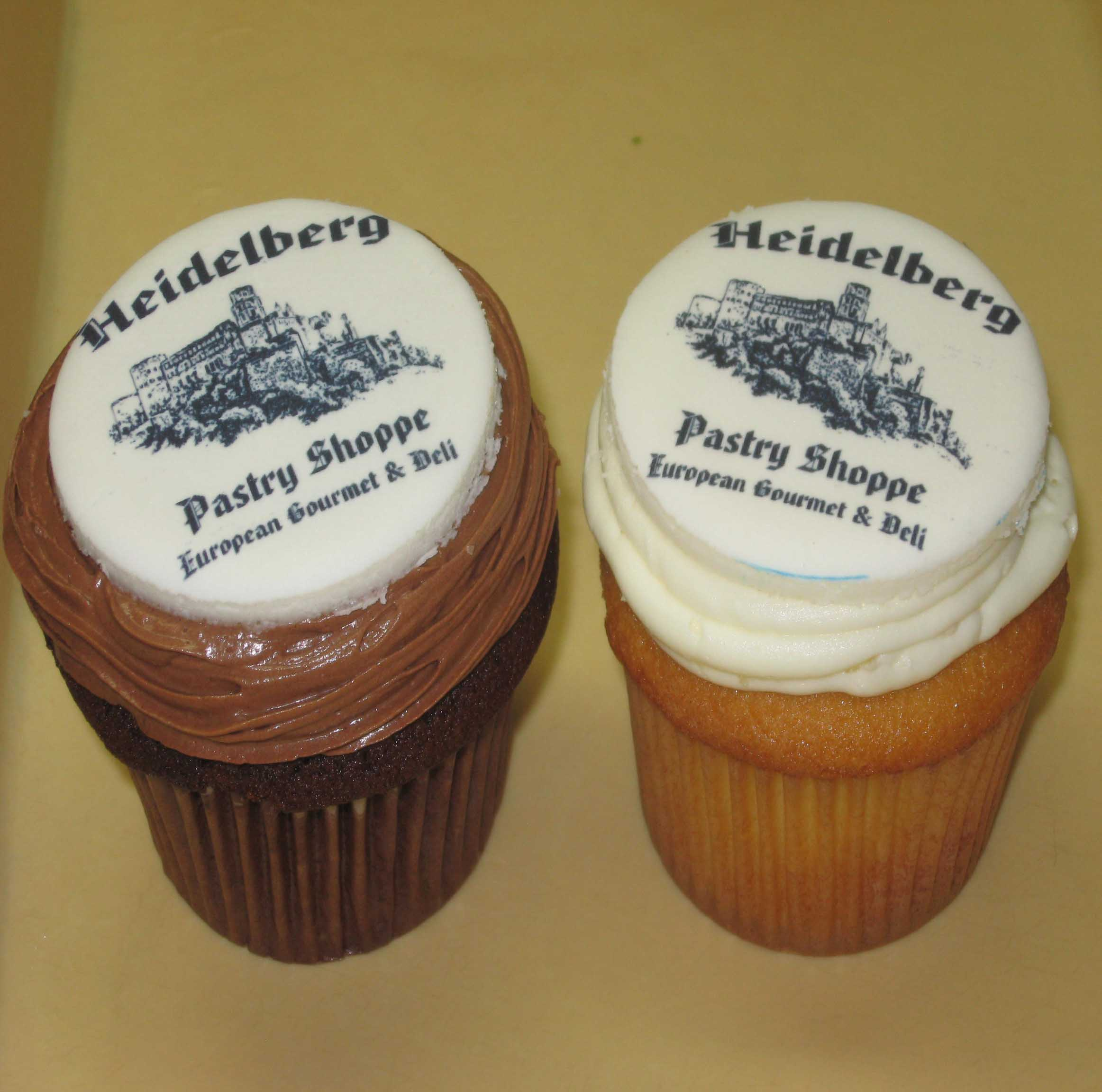 Cupcakes with Portrait or Logo