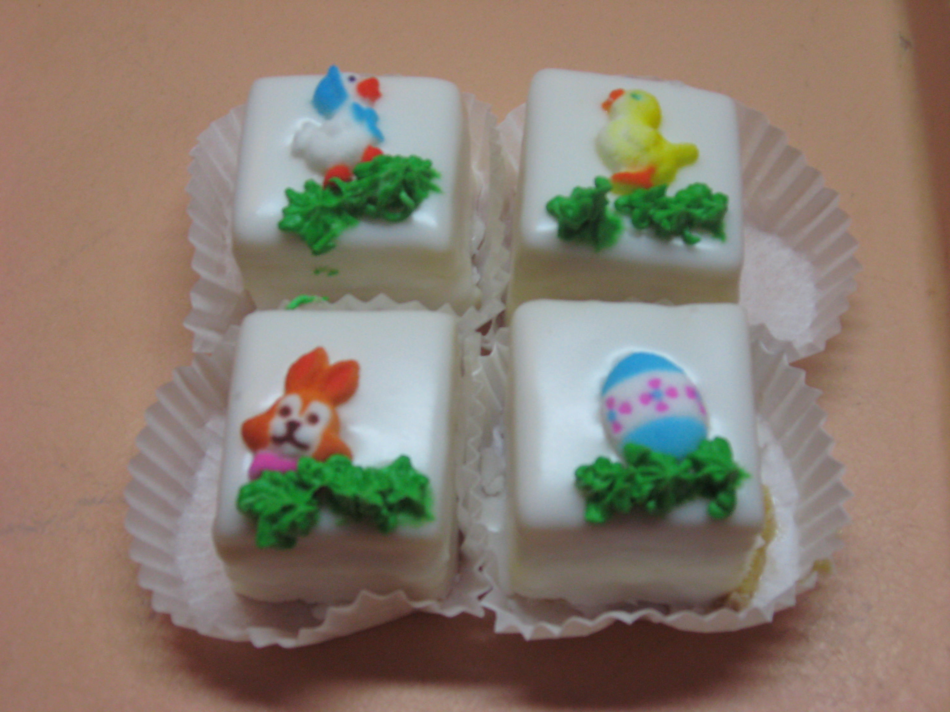 6 Easter Petit Fours