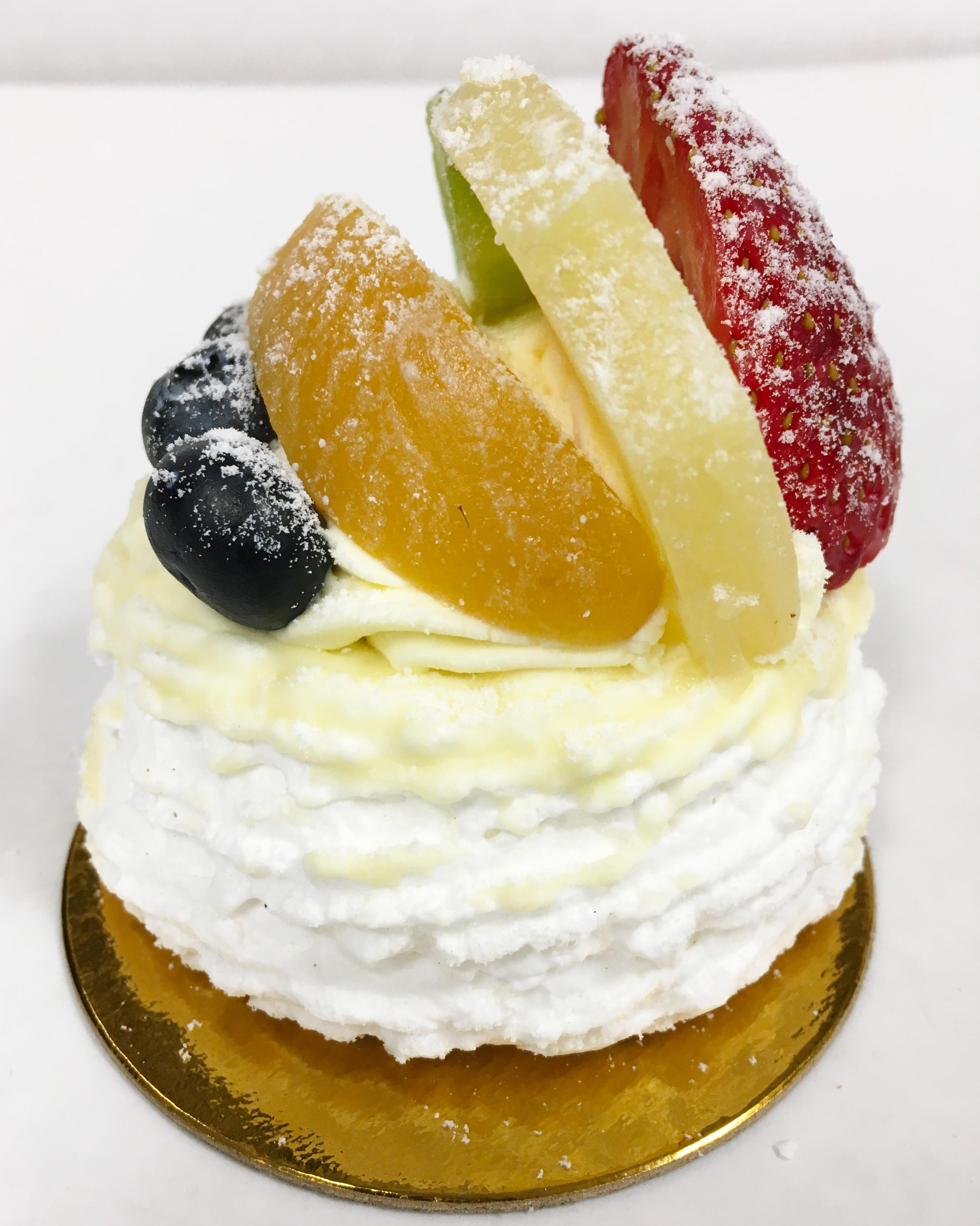 Meringue Bavarian Cream Pastry