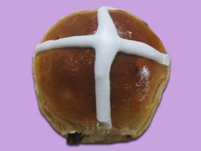 12 Hot Cross Buns
