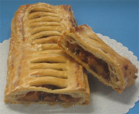 Strudel with puffed pastry crust